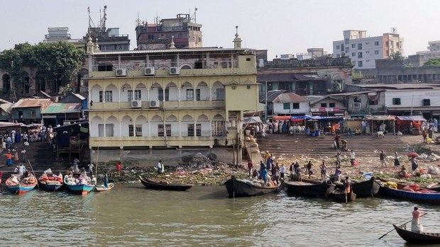 নদী রক্ষা কমিশন প্রতিবেদন: সারা দেশে ৬৩ হাজারের বেশি নদী দখলদার