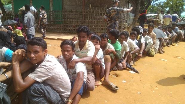 অনুমতি ছাড়াই রোহিঙ্গাদের তথ্য শেয়ার করেছে জাতিসংঘ: এইচআরডব্লিউ