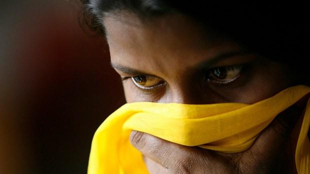 কাজের প্রলোভন দেখিয়ে নারী পাচার: বাংলাদেশ ও ভারতে গ্রেপ্তার ১৩